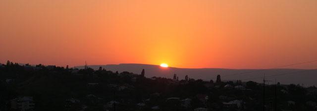 Sunset_in_Kislovodsk_July_2004.jpg